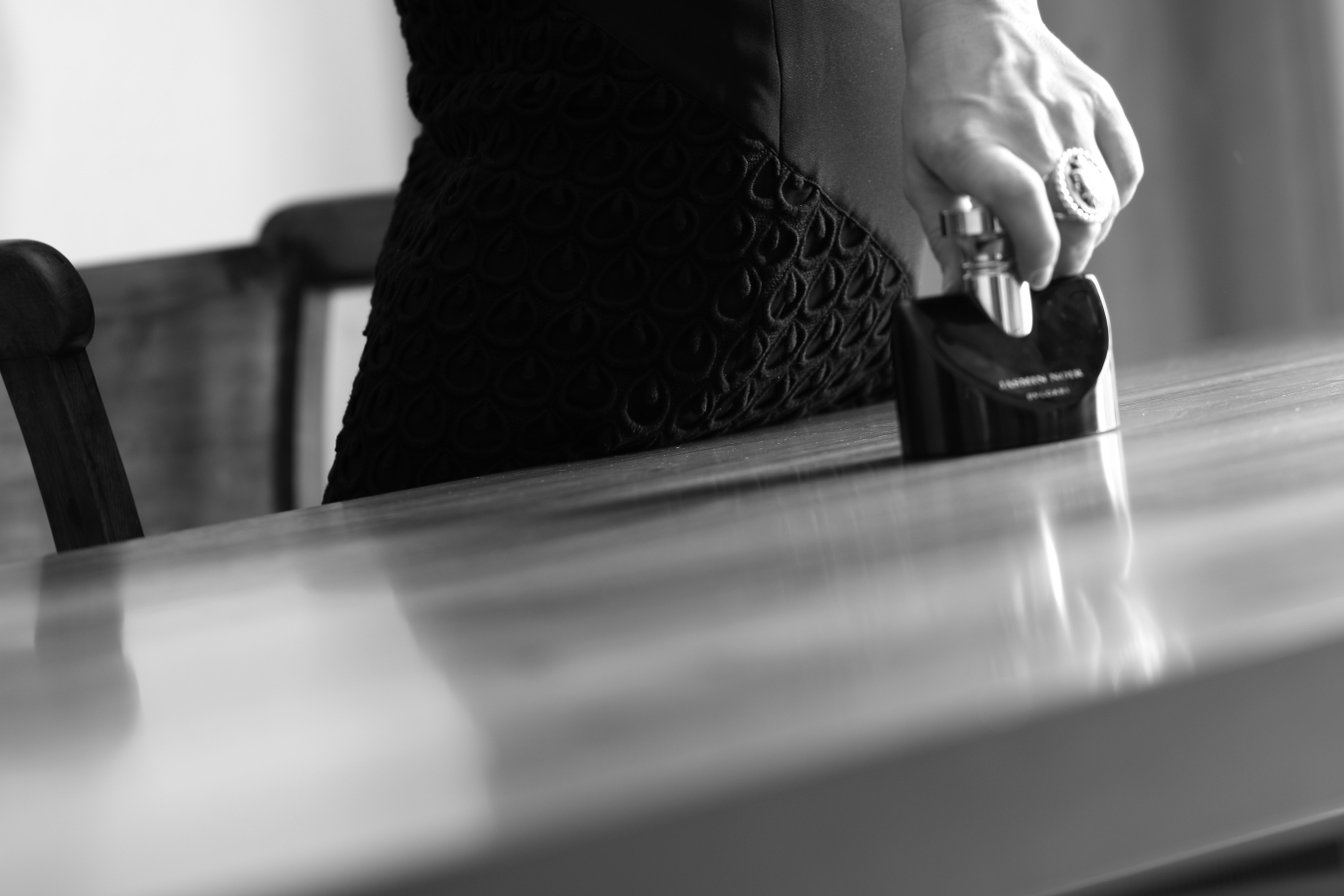 blogger diaries la risposta black white photography by The Italian Glam Jasmin Noir Bulgari