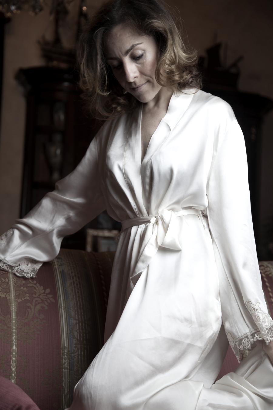 blogger diaries confidential fashion photography by The Italian Glam vestaglia seta Lise Charmel