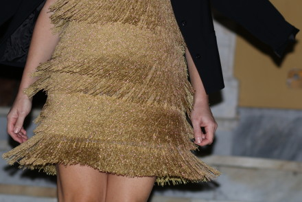 the-golden-dress-story-by-The-italian-Glam-Dolce-Gabbana-fringed-dress