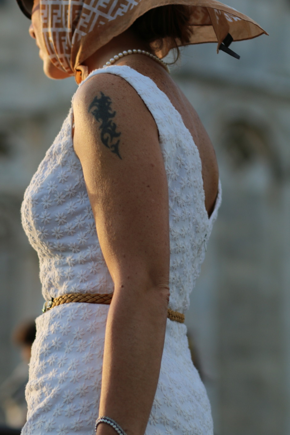 italian drama by The Italian Glam summer gloves