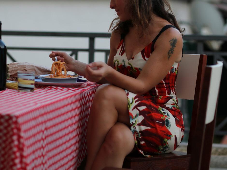 storie noir spaghetti al pomodoro dolce gabbana