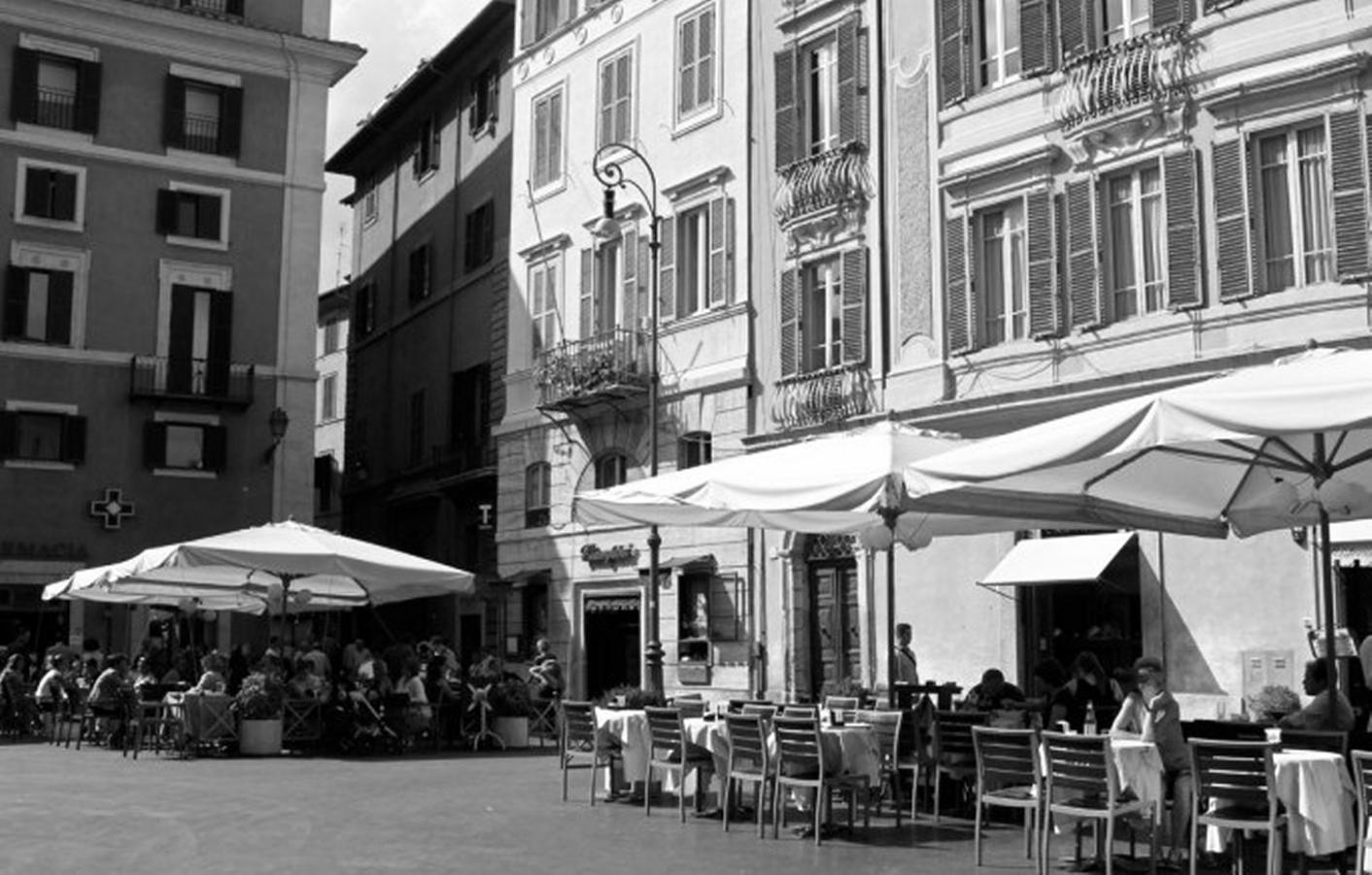 piazza san lorenzo in lucina maria teresa storie noir stellina