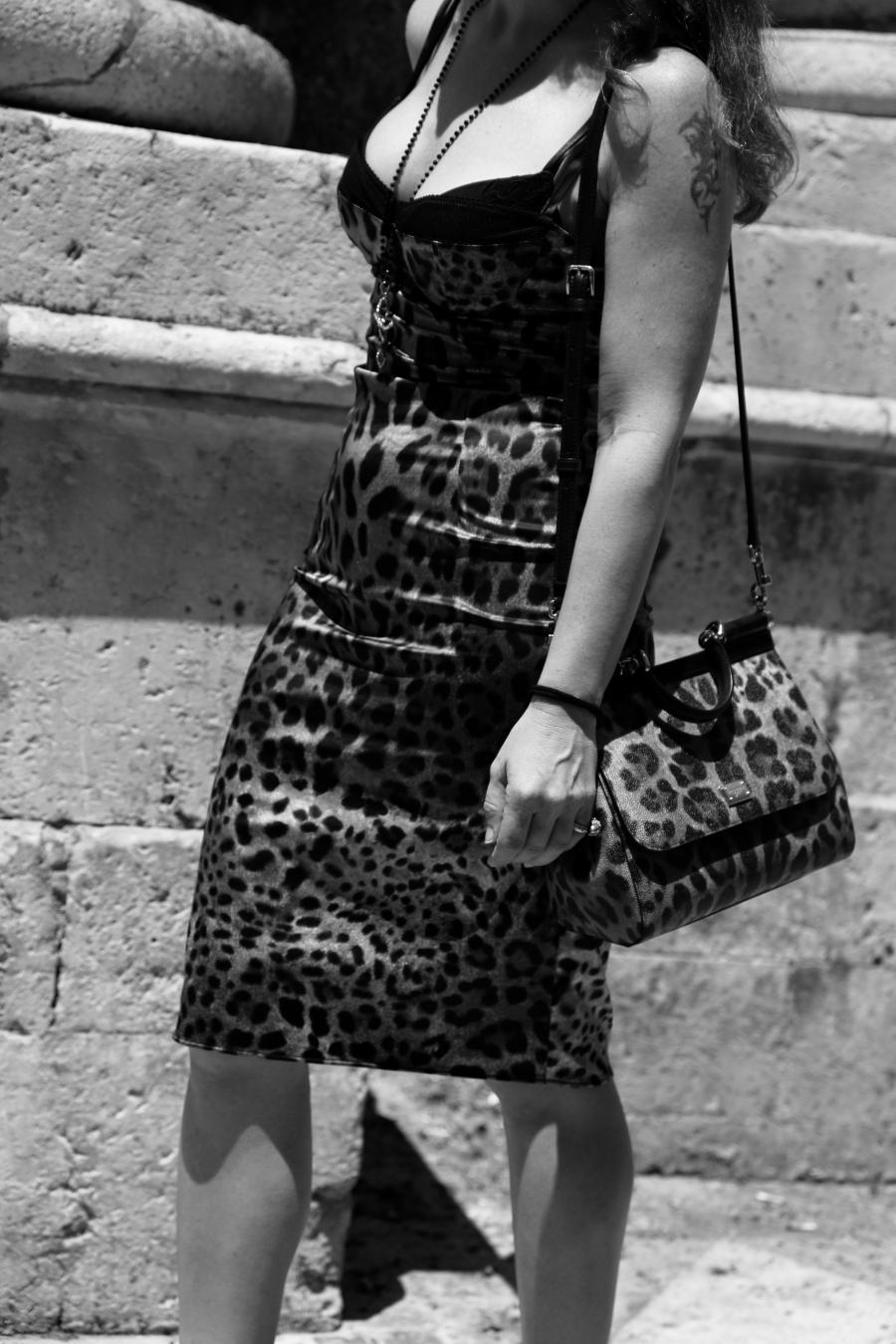 siracusa storie noir stellina vestito dolce gabbana